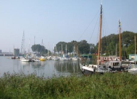 Schellingwoude harbour and sluices