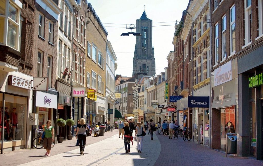 Next to great restaurants, the city centre is also known for shopping possibillities.