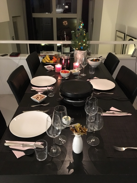 Dining table for six in kitchen