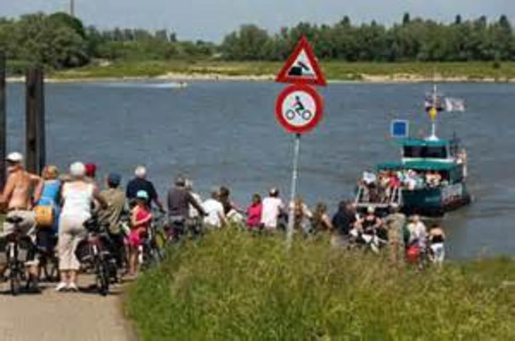 fietsveer over de Rijn
