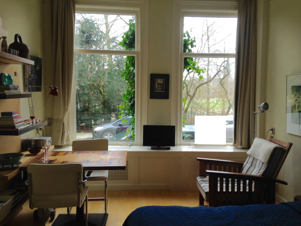 sleepingroom/study with view on the parc
