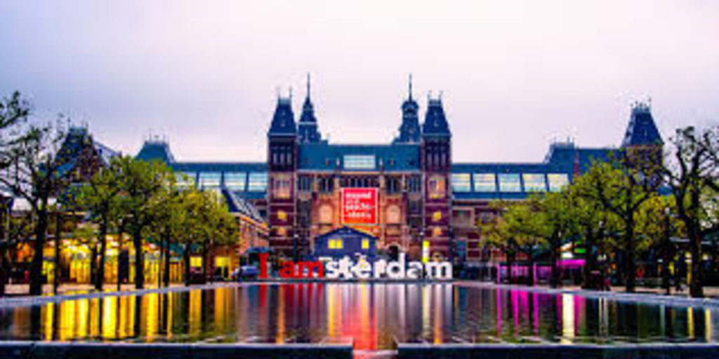 Amsterdam (1,5 hour drive)