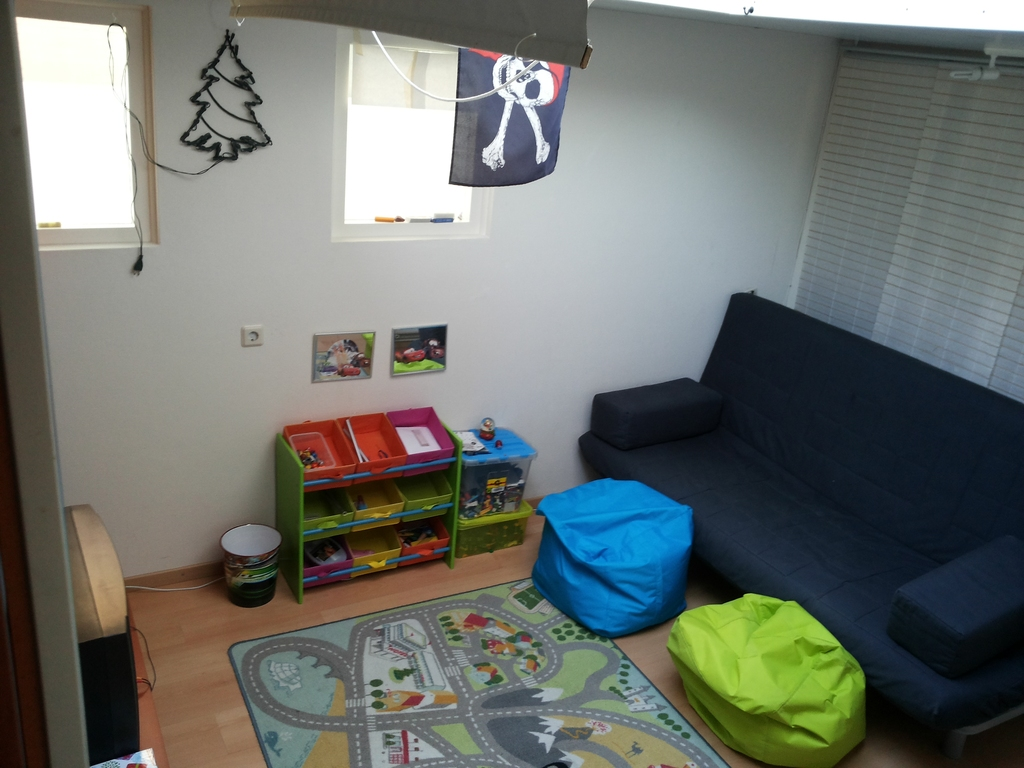 Playroom/4th bedroom/games/tv