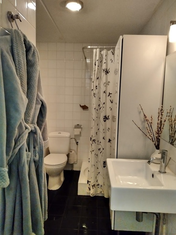 Bathroom 1 with bath and douche