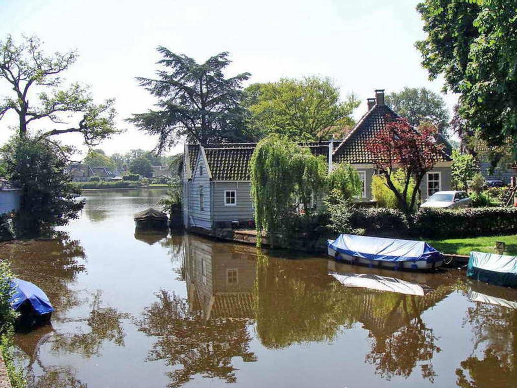 Broek in Waterland 1/2 hour from Amsterdam