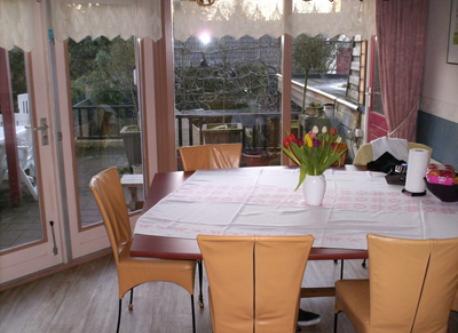 Diningroom with gardensite