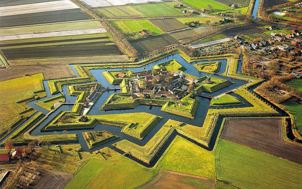 Ancient fortress Bourtange (40 km)