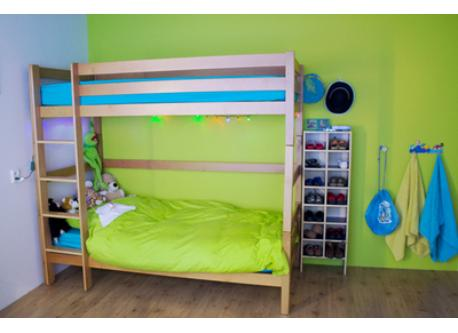 Child Bedroom 2 single beds (bunk)