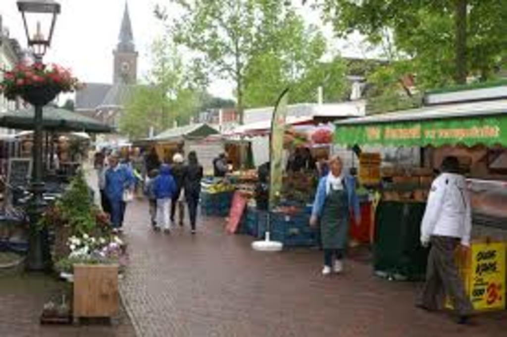 Market in Breukelen