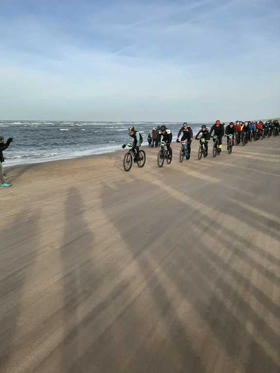 Beach bike race!
