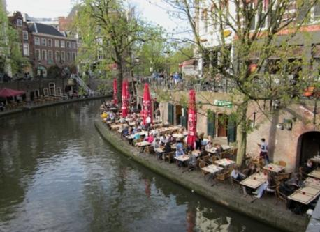 Eating and drinking at one of the canals, Utrecht
