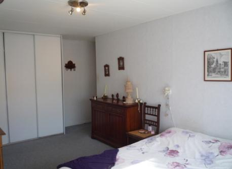 parents bedroom is very comfortable and quiet