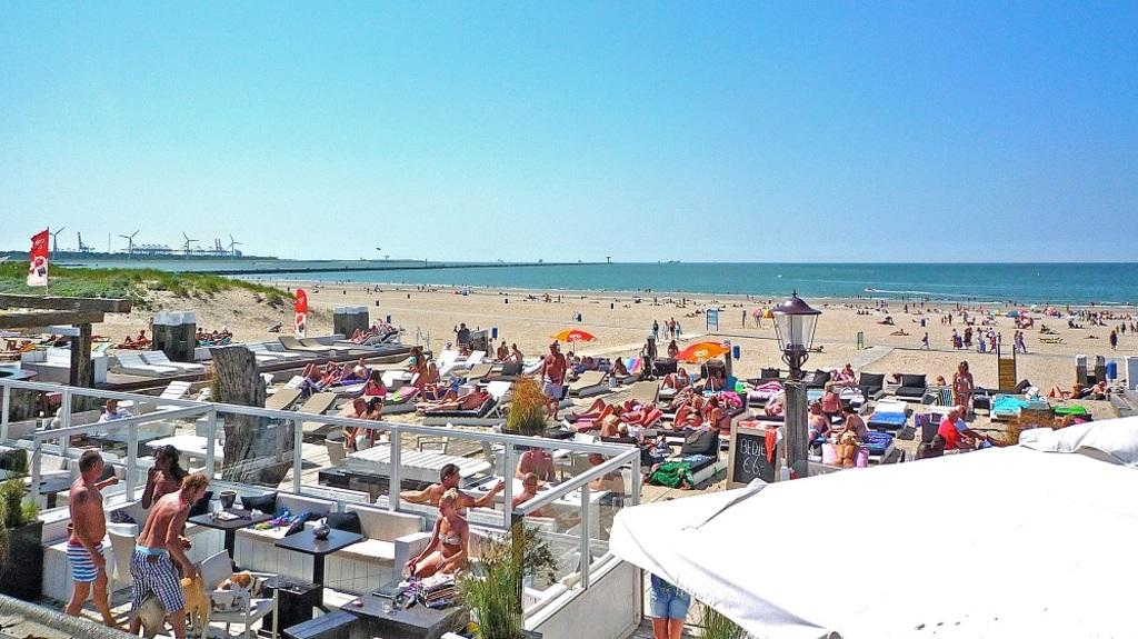 Hoek van Holland beach (30 minutes driving)
