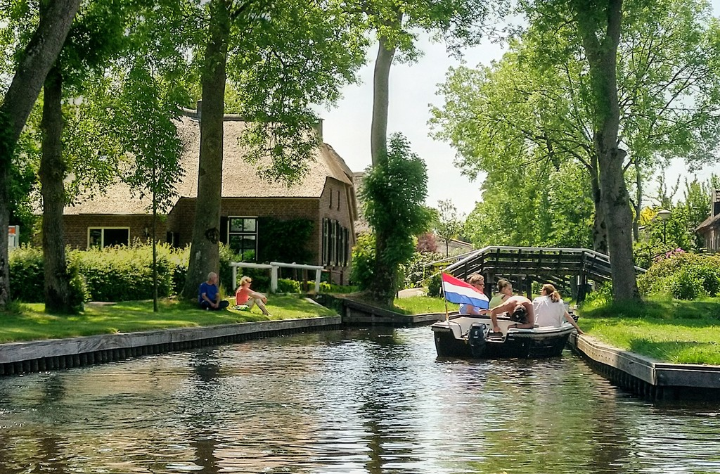 Giethoorn, by boat