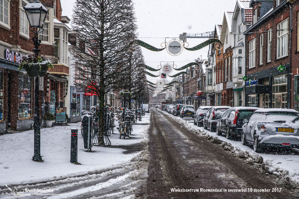 Bloemendaal down town in the winter