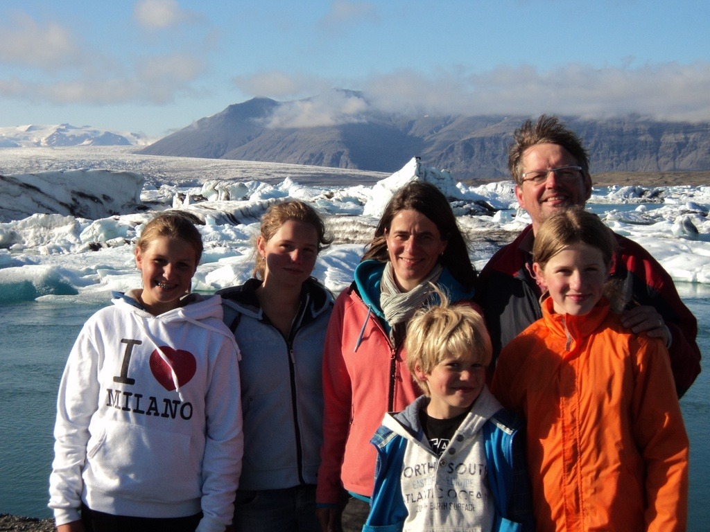 The whole family, here at the glacier lake in Iceland