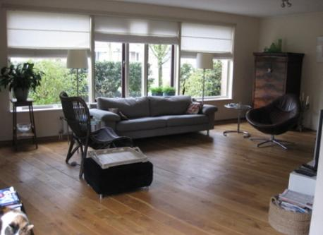 sittingroom frontview