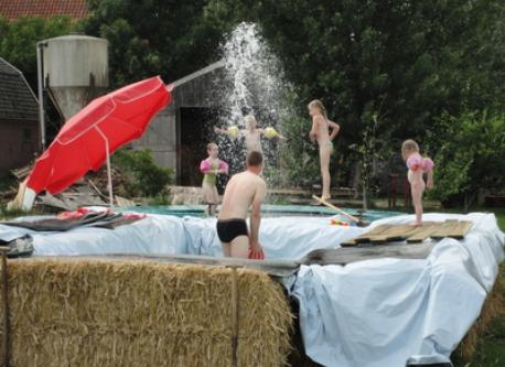 Temporary swimmingpool in summertime