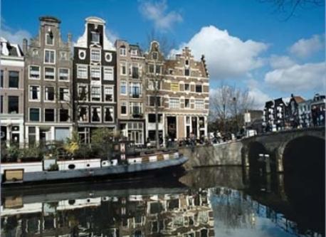 Amsterdam (15 km)