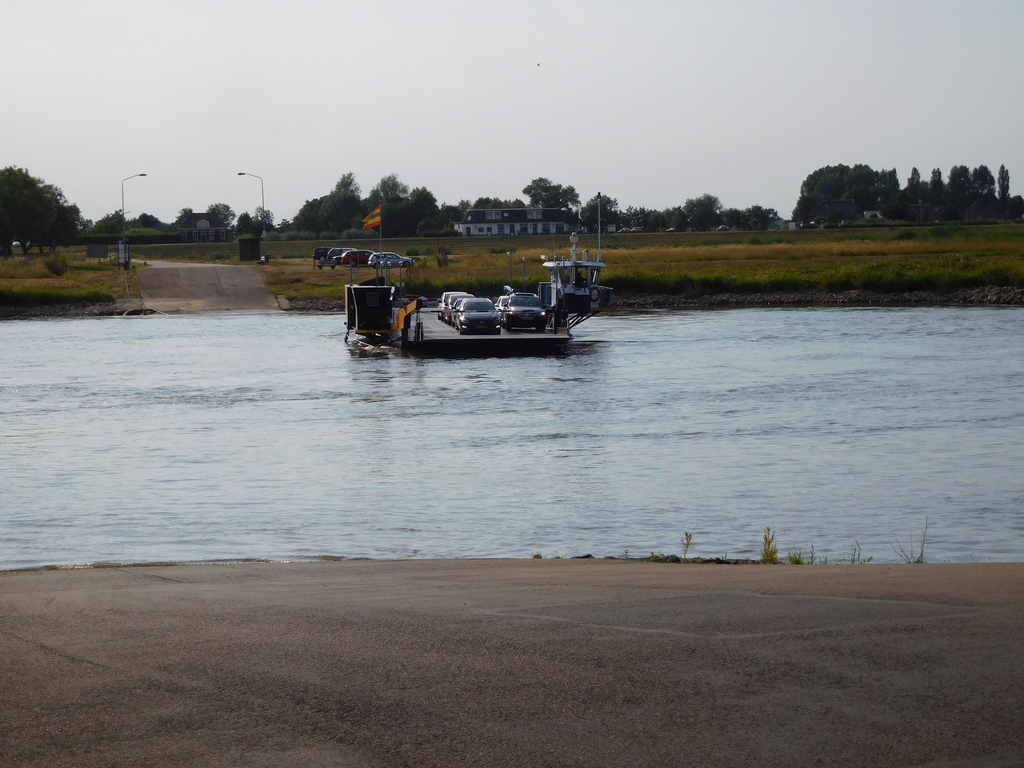 Ferry from Olst naar Welsum over the IJssel