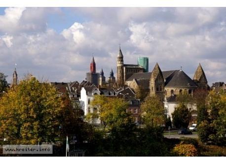 Maastricht, 28 km away