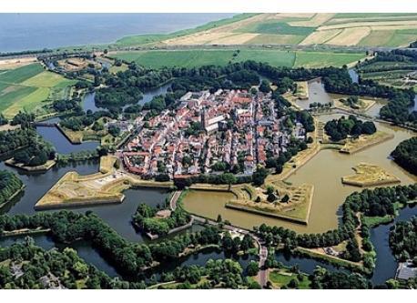 Naarden Vesting (8 km.)