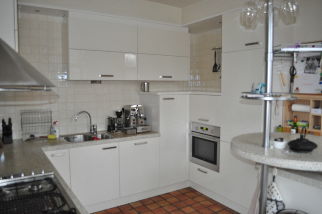Kitchen ( electric oven, microwave, dishwasher, gas cooker)