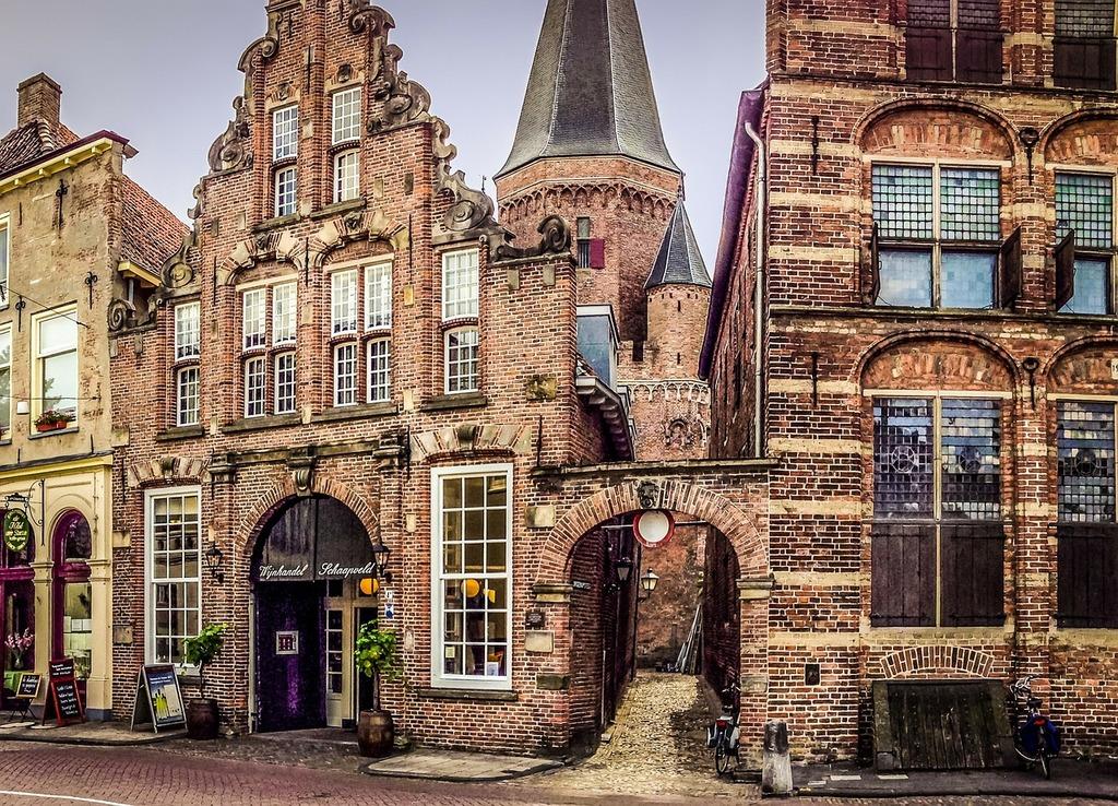Hanze-city Zutphen 50 km away