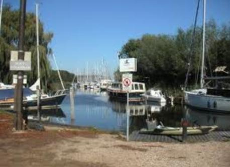 This is the little harbour in our village. It is only 100 m away ...
