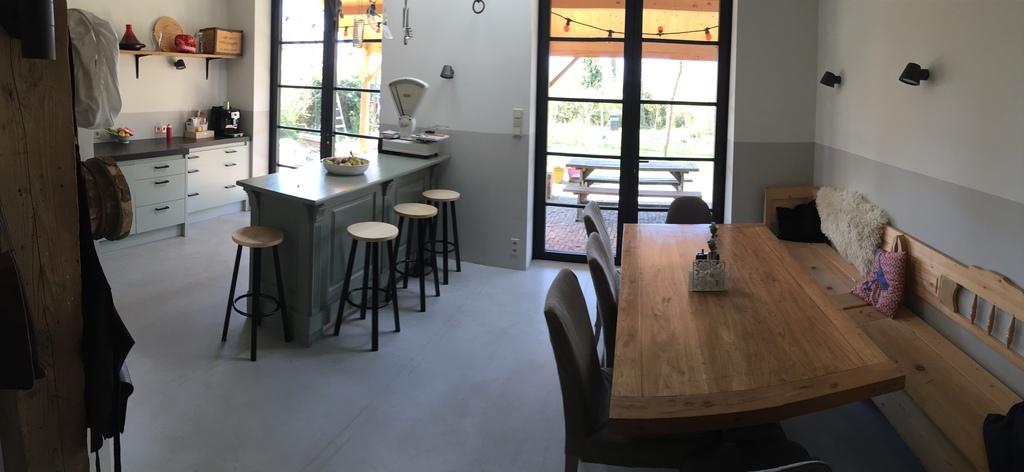 kitchen en dining area