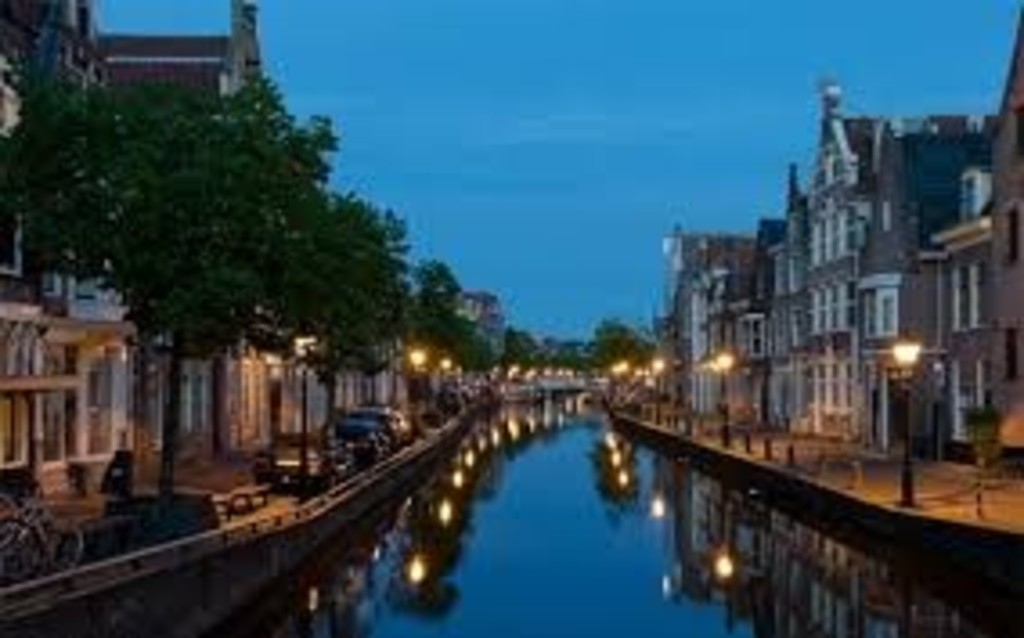 canals, small Amsterdam