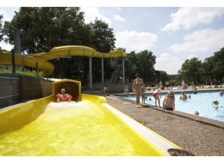 "Swimming pools ""De Warande"" outdoor fun park, trampolines, playground, snackbar"