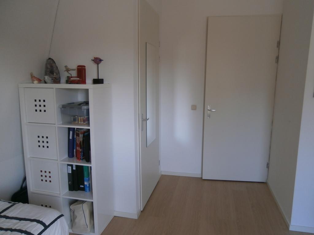 kantoor/logeerkamer 1e verdieping