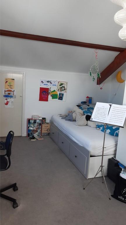 Room attic Victor