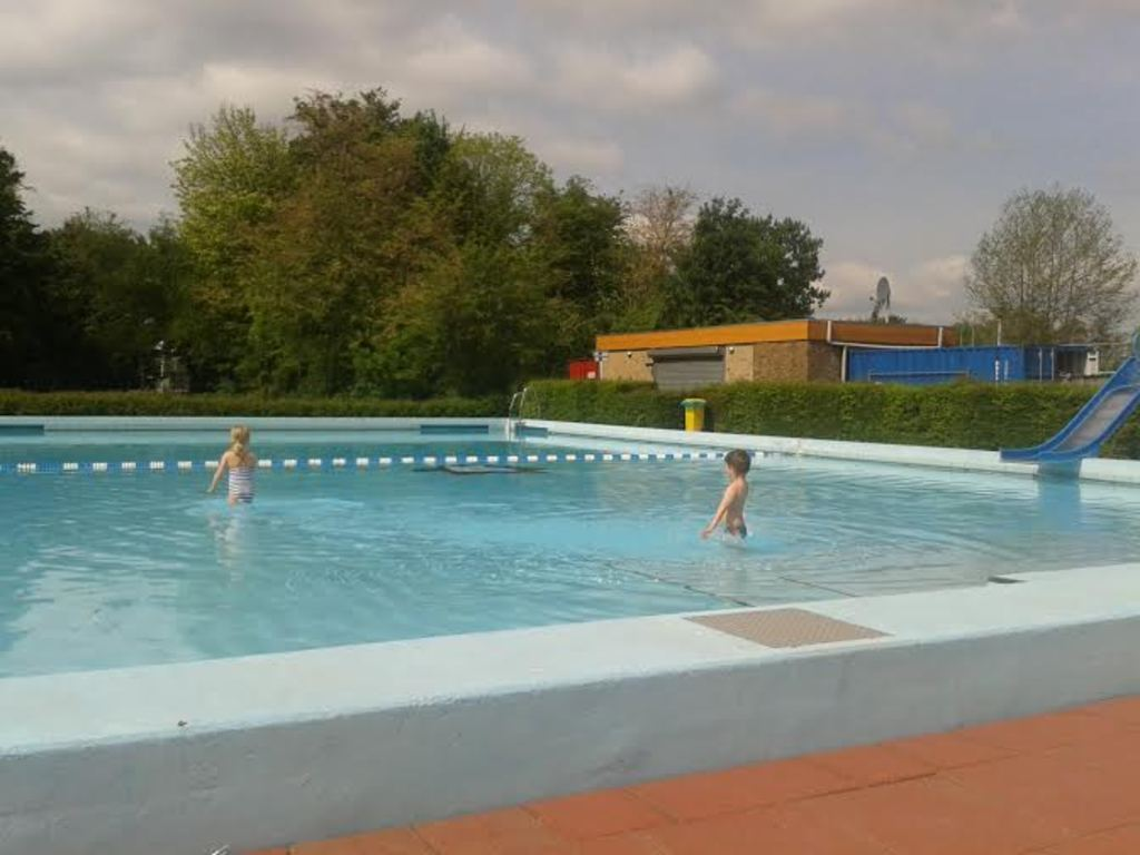 Early morning at the swimming pool. This is the pool for smaller children, next to it lies one for older children and adults.