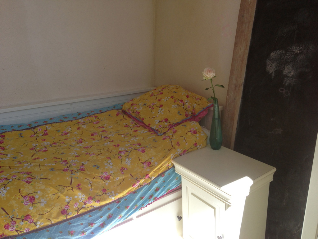 Bedroom 2: single bed, can be made into a double