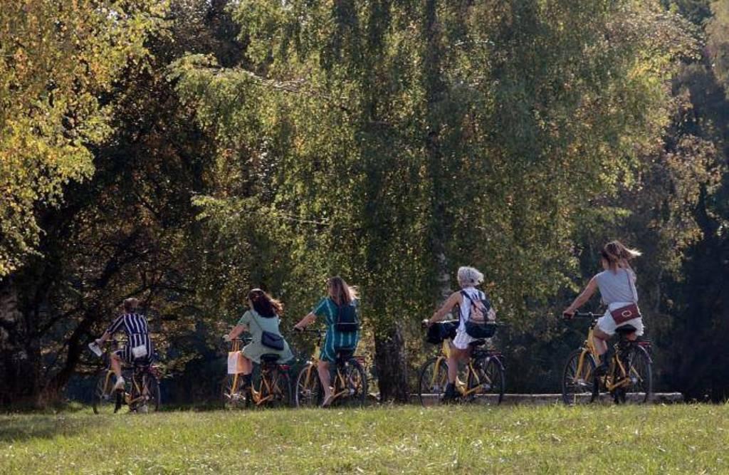 By bike through the Vondelpark