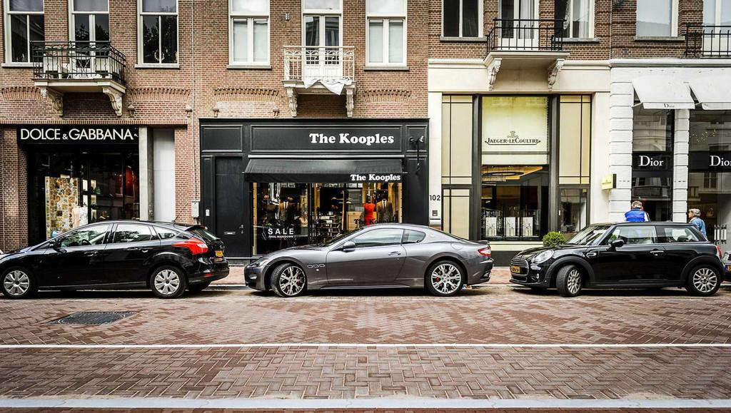 Luxury shopping PC Hoofstraat