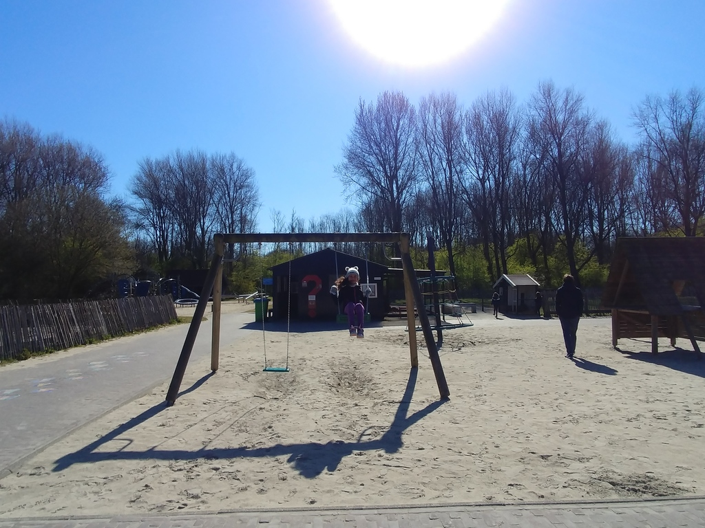 Zorgvrij in Spaarnwoude (animal farm and playground)