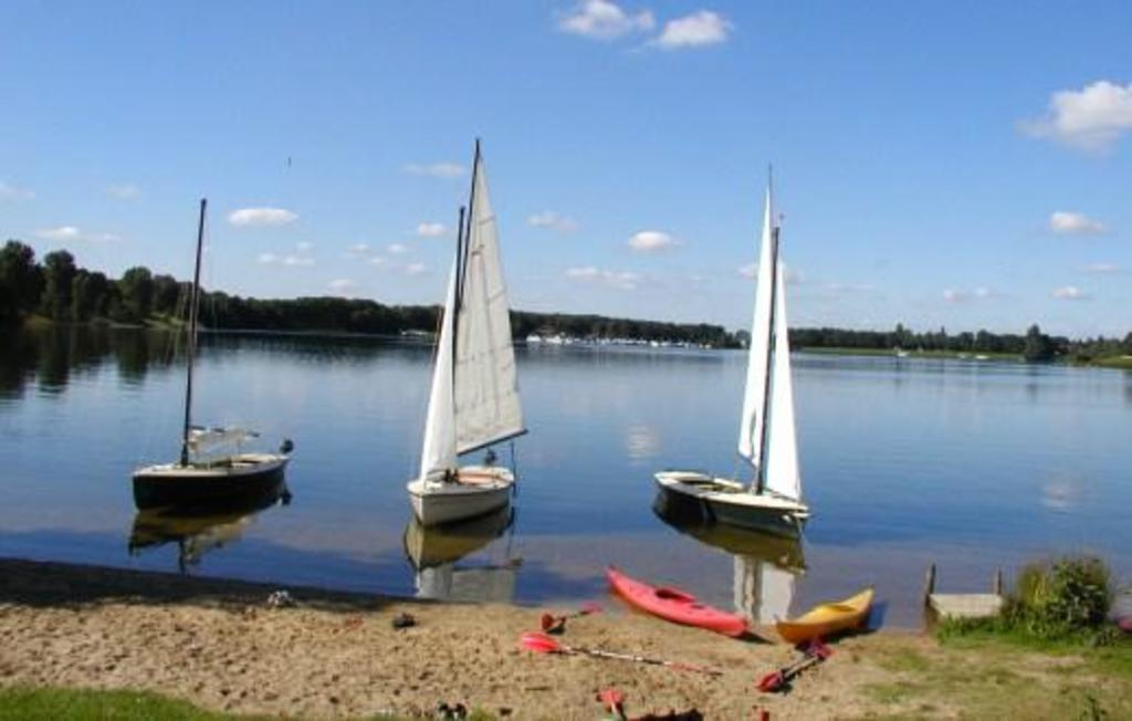 Mookerplas for sailing, swimming and canoeing. (7km)