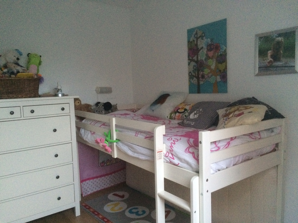 Hanna's bedroom