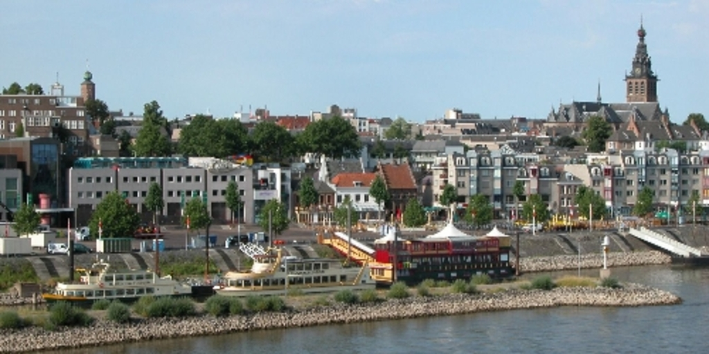 View on Nijmegen from the river 'Waal'.