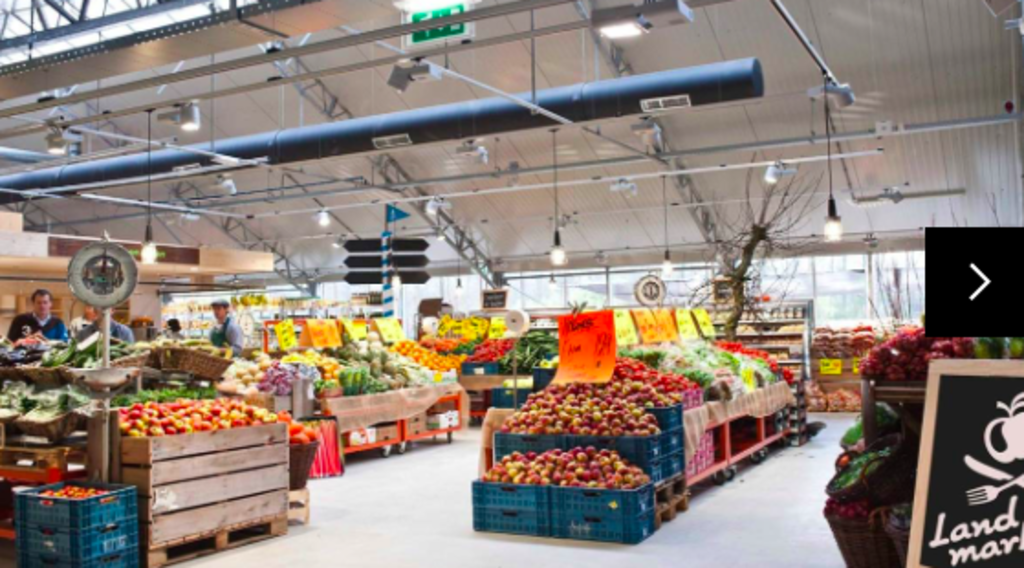 Supermarket Schellingwoude, with local and biological products and a restaurant / coffeebar