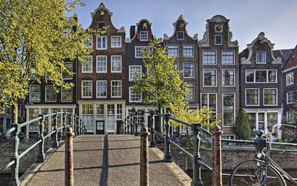 Amsterdam, 60 km