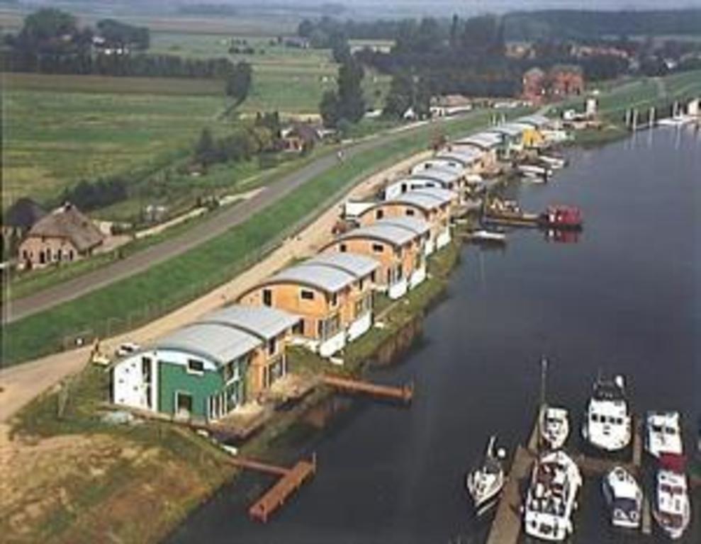 Maasbommel drifting villas