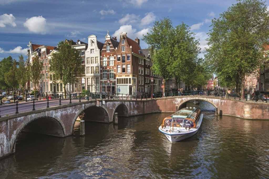 Amsterdam is nearby (45 minutes)