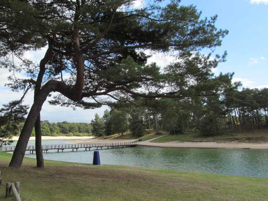 A beautifull spot to swim, walk, play and rest @ 30 min. drive - Henschotermeer