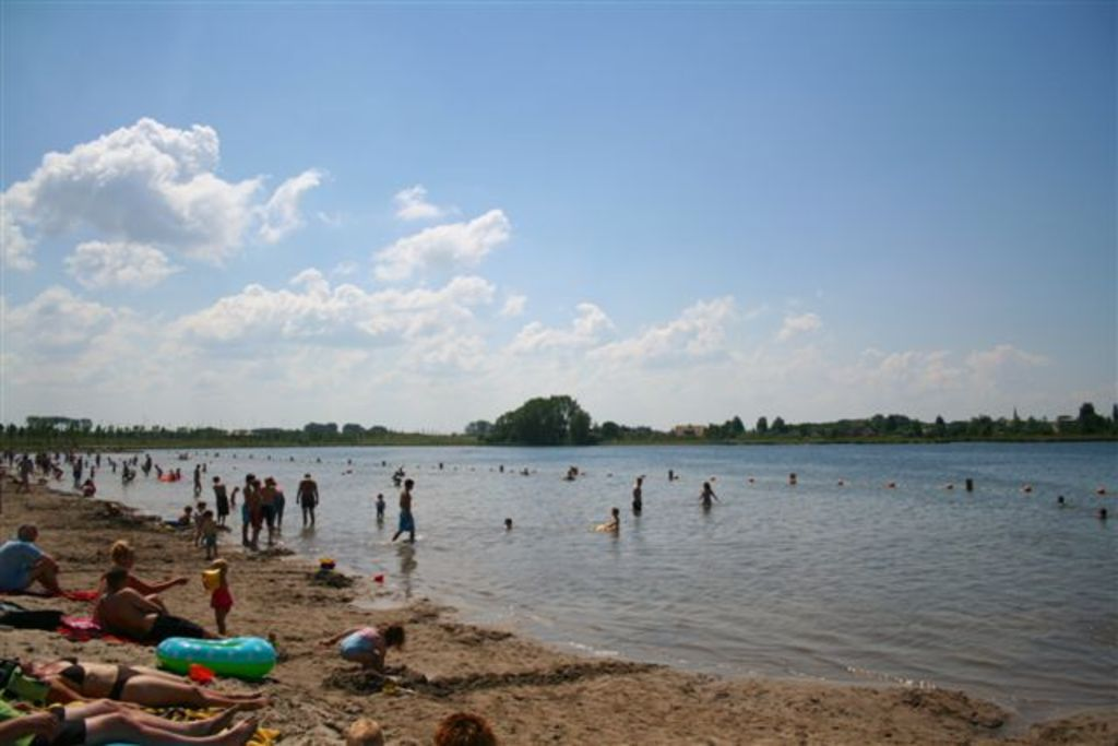 Swimming at Haarrijnse plas, 15 minutes cycling