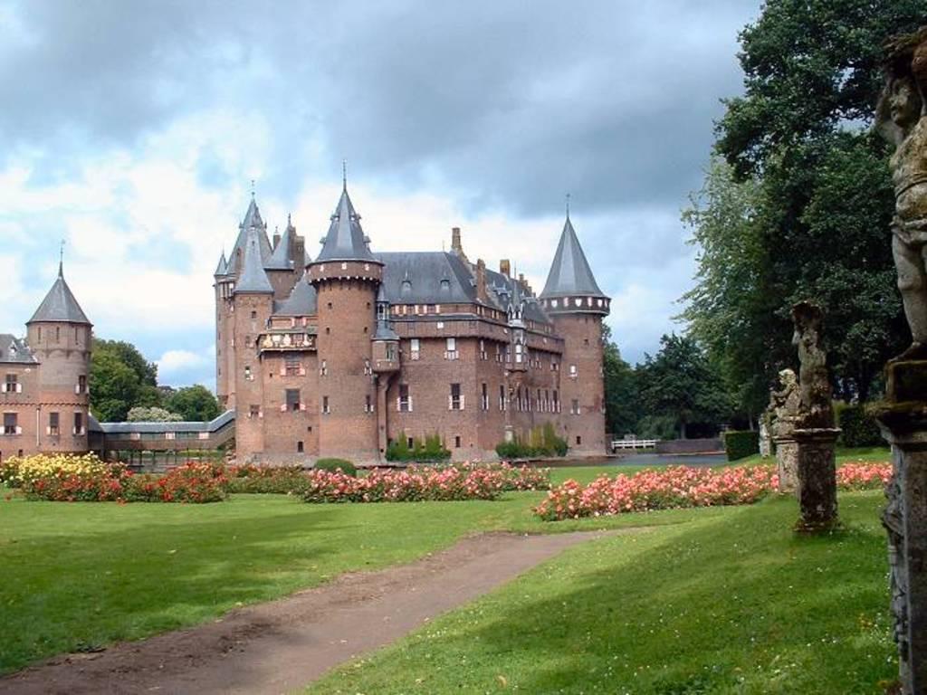 Castle 'De Haar' @ 10 min. drive or cycle