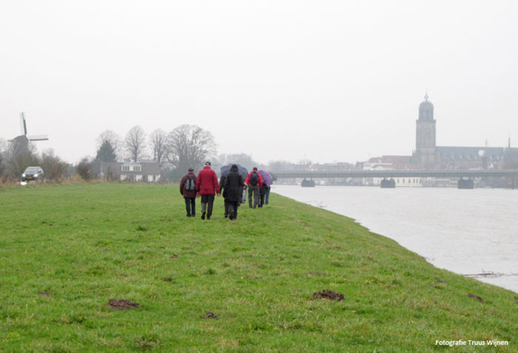 Hikingtrail along the IJssel